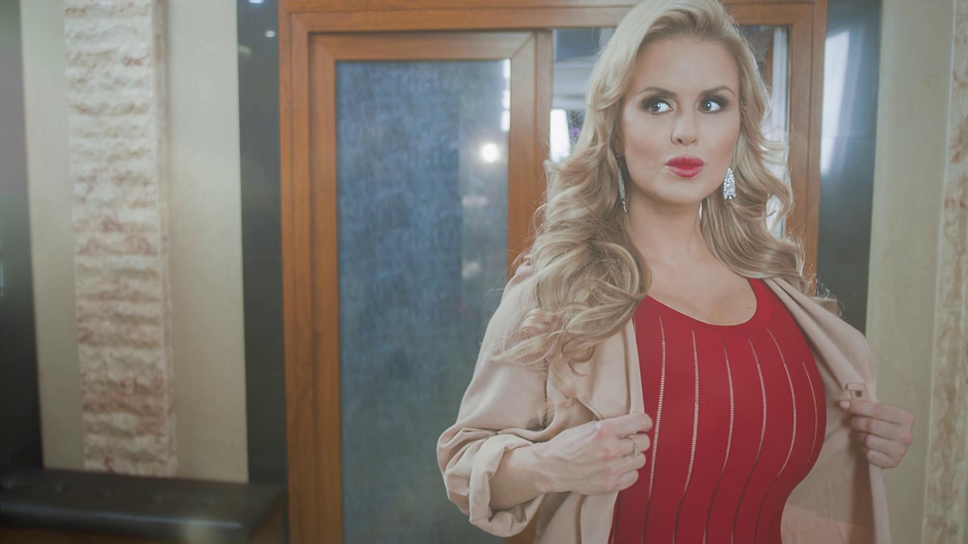 Трогает грудь анны семенович, «Тайна раскрыта! - Стас Костюшкин проверил 12 фотография